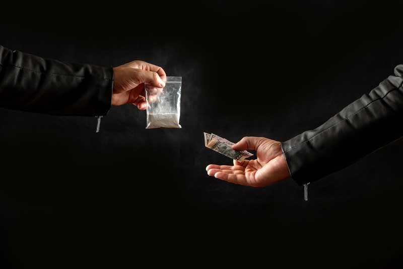 """ייצוג על ידי עו""""ד פלילי בעבירת שימוש בסמים"""