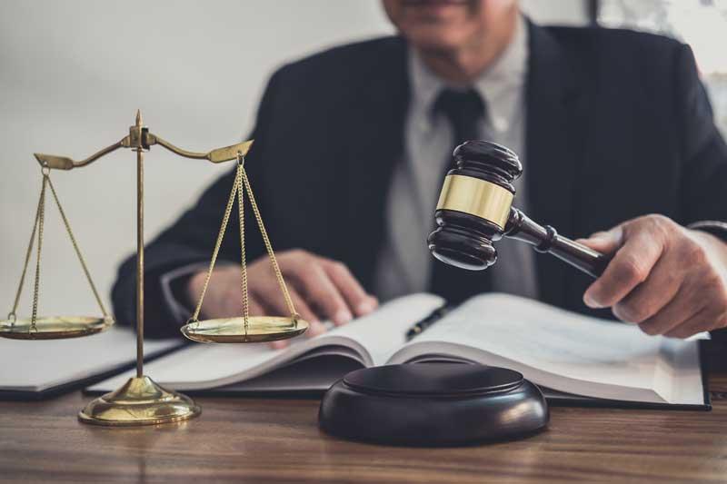 כיצד הופך עורך דין להיות גם נוטריון